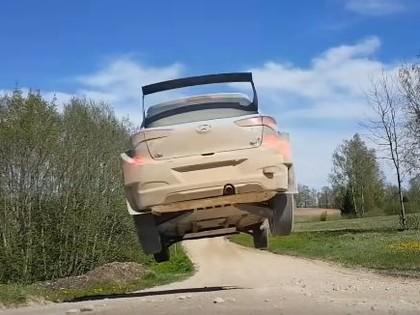 Tanaks Igaunijā aizvada testus ar 'Hyundai i20 R5' (VIDEO)