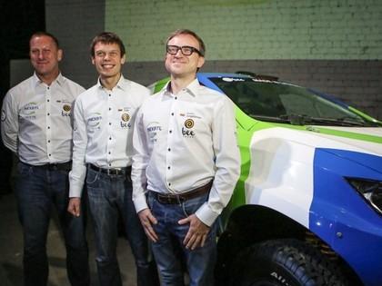 Lietuvas rallija braucējs Dakaras rallijreidam uzbūvē 200 000 eiro vērtu auto (FOTO)