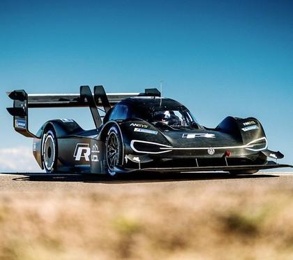 Sportists: Paikspīkas VW elektroauto - labākā mašīna, ar kādu esmu braucis šajā kalnā