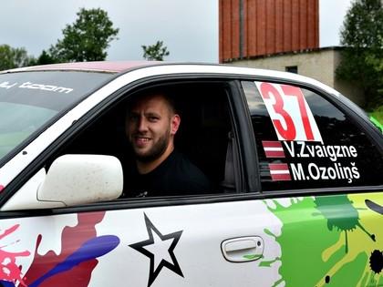 Minirallijā 'Marienburga' uzvar Zvaigzne, vairākas ekipāžas kūleņo
