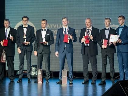 LAF apbalvošanas pasākumā sadalītas čempionu balvas un ordeņi par ieguldījumu autosportā