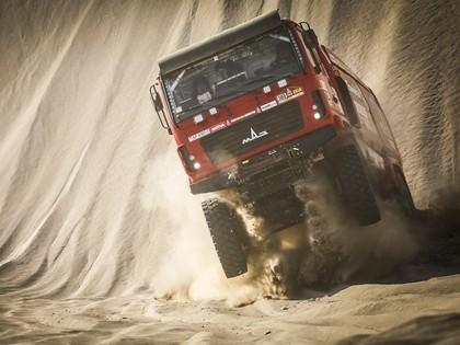 Peteransels palielina pārsvaru, Lēbam Dakaras rallijs beidzies