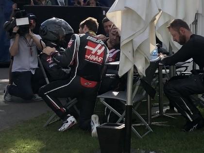 Jauno F1 sezonu ar uzvaru sāk Fetels, Haas komandai neveiksme un naudas sods