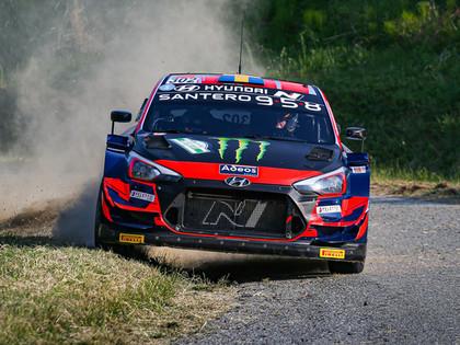 Solbergs Itālijas rallijā ar 'Hyundai i20 Coupe WRC' pārspēj Tanaku (VIDEO)