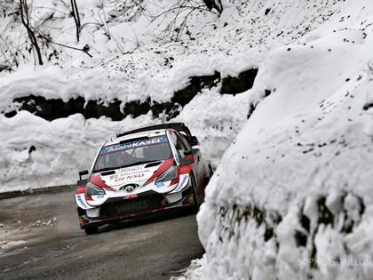 Drāma Moncas WRC: Līderis Ožjē, Evansam avārija (VIDEO)