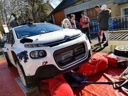 Grjazins uzzina konkurentus WRC2 čempionātā (VIDEO)