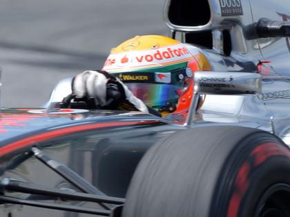 Hamiltons kļūst par septīto uzvarētāju septiņos F1 posmos