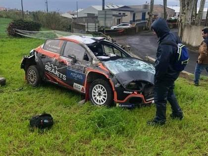 Lukjaņukam Azoru salu rallija noslēdzošajā ātrumposmā smaga avārija