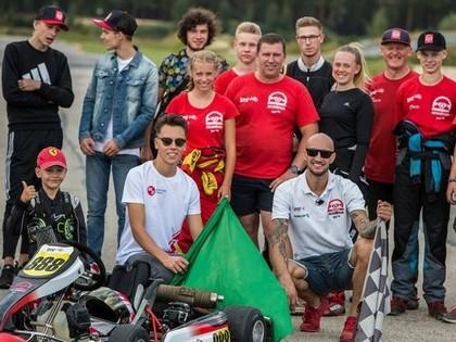 Probācijā esošie jaunieši iejūtas 'LMT Autosporta Akadēmijas' pilotu lomā