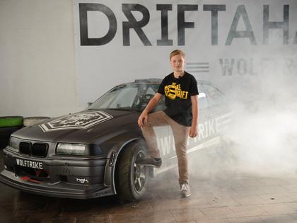 Pasaules jaunākais drifteris Nikolass Bertāns parakstījis savu pirmo sponsora līgumu