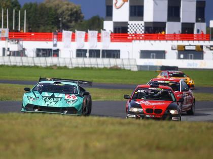 Flash Racing tehniskas problēmas un vicečempionu tituls Baltijas izturības čempionātā