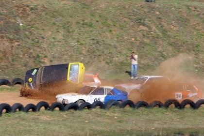 Folkreisa sacensībās trīs avārijas un trīs pārdotas automašīnas