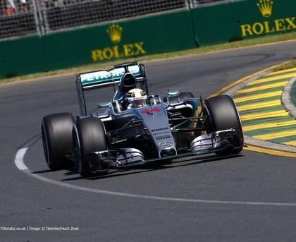 Austrālijas F1 treniņos dominē Mercedes, Manor pazaudē programmu formulas darbībai