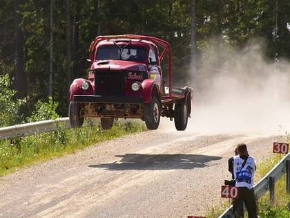 'Rally Estonia' skatītājus priecēs 15 GAZ automašīnas