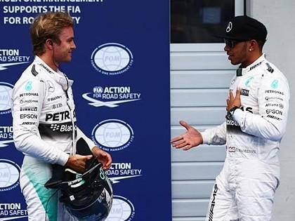 Austrijas F1 kvalifikācijā ātrākais Hamiltons, Raikonenam neveiksme