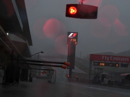 Negaisa un spēcīgā lietus dēļ atceļ otros F1 treniņus